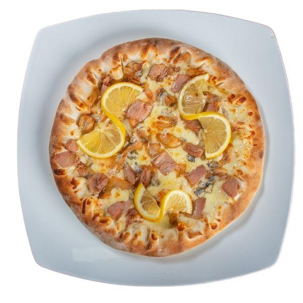 Iulie luna lui cuptor la pizzaradu.ro